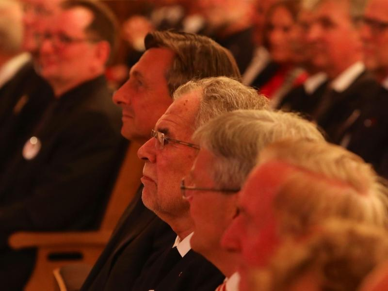 Slika 4: Predsednika Borut Pahor in dr. Alexander Van der Bellen v publiki, © Peter Krivograd