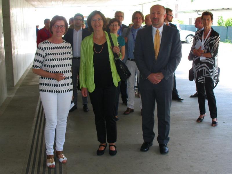 Slika 3: Christine Muttonen z ravnateljico in administratorjem
