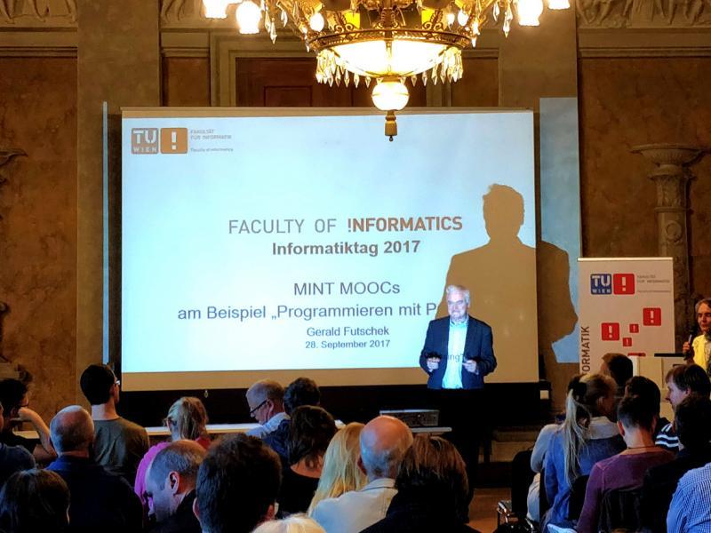 Slika 1: Gerald Futschek predstavi najnovejše dosežke na informatičnem področju TU na Dunaju, © Niko Ottowitz