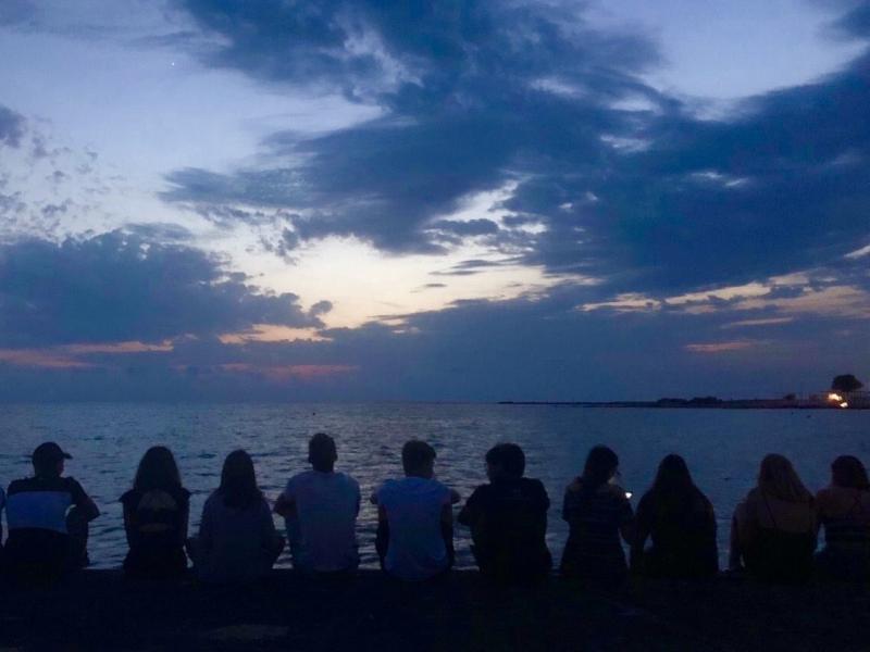 Slika 1: Večerna idila ob morju, © Krištof Grilc
