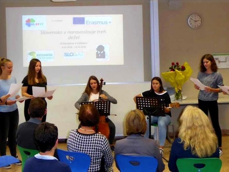 Slika 1: Tiskovna konferenca ob zaključku projekta v Celovcu, ©Slavit