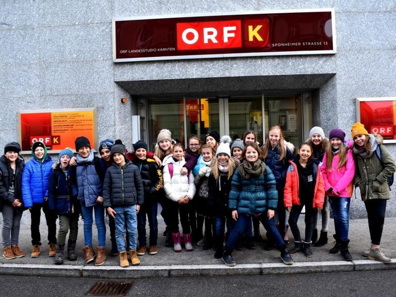 Bild 2: 1C vor dem ORF , © Monika Novak-Sabotnik