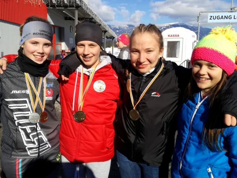 Bild 1: Das Langlaufteam des Slowenischen Gymnasiums, ©Magdalena Kulnik