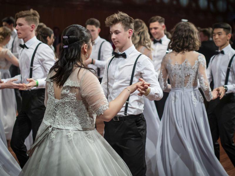 Slika 2: Otvoritveni ples