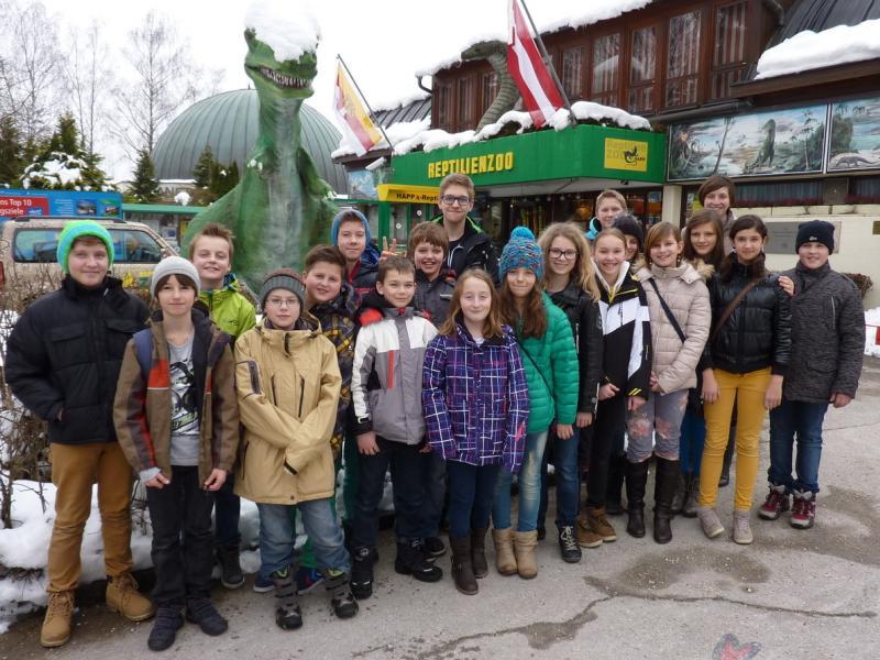 Slika 3: Pred živalskim vrtom Happ