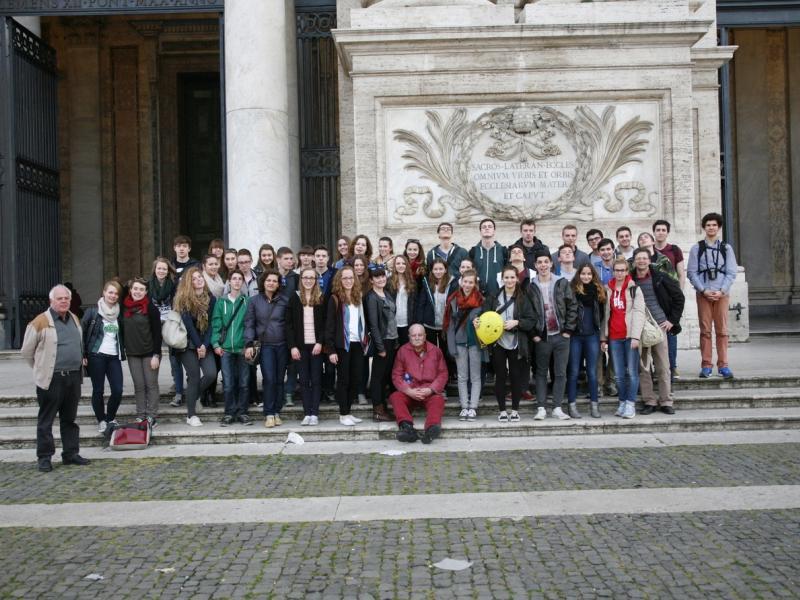 Slika 1: Skupinska slika z ekskurzije v Rim