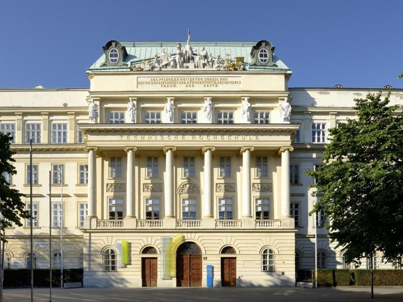 Slika 1: 200 let Tehniške univerze na Dunaju (1815-2015), ©CC BY-SA 3.0 at