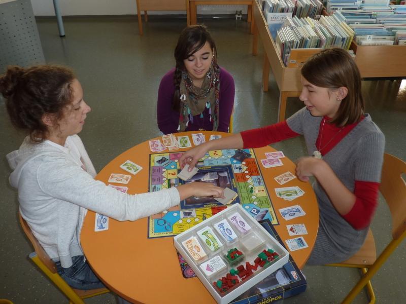 Slika 2: Delavnica družabnih iger v knjižnici, © Nadja Schellander