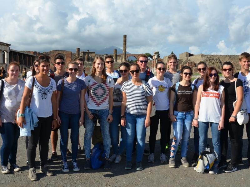 Bild 1: Gruppenfoto in Pompei, © Franc Krištof