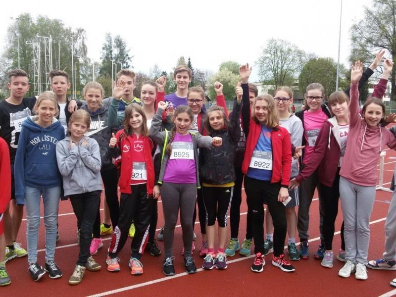 Slika 2: Skupinska slika vseh tekmovalcev z ZG/ZRG za Slovence, © Magdalena Kulnik