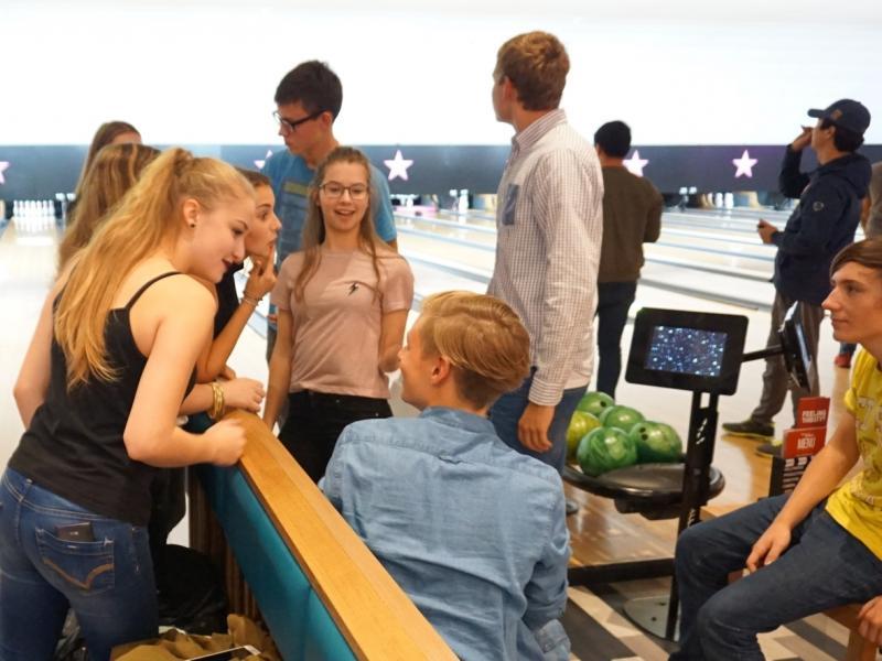 Slika 3: Resnemu delu sledi zabava - bowling,© Marica Mletschnig