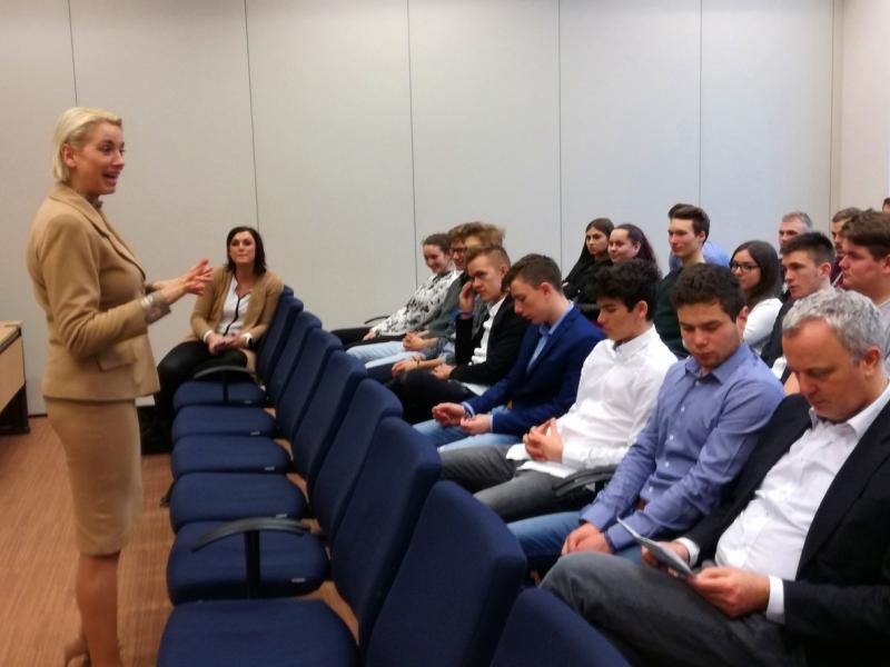 Slika 2: Srečanje z evropsko poslanko Angeliko Mlinar, © Magdalena Kulnik